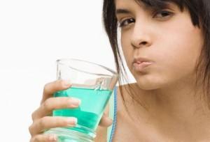 Лечим горло перекисью водорода