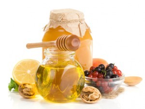 Каждое утро начинайте с мёда и орехов