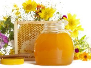 С полипами справятся мёд и масло деревенское