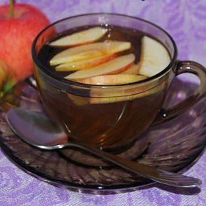 Кровь разжижаю настоем из яблок и зелёного чая
