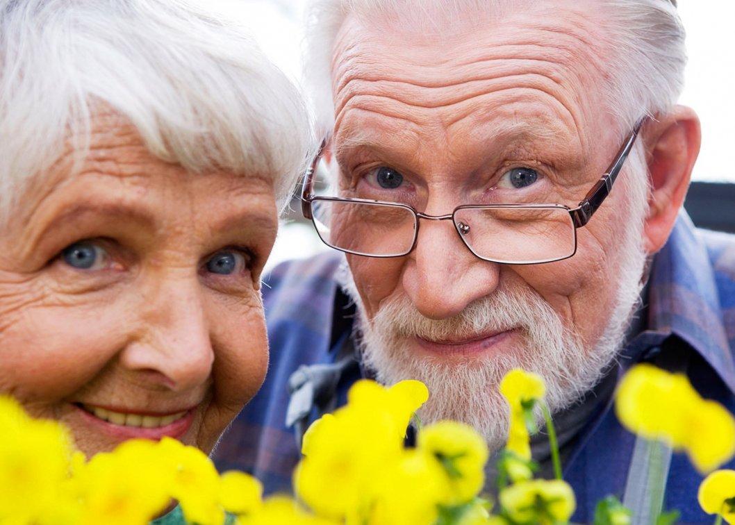 Пенсионеры отдыхают, пока другие работают