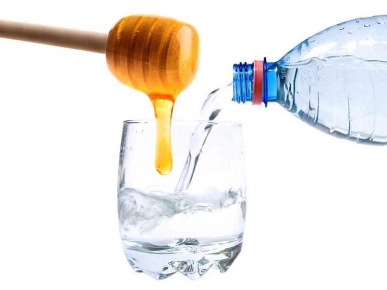 Ложка меда в стакане воды