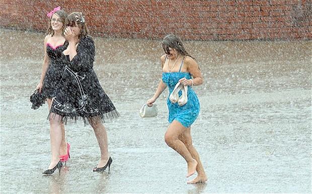 Под дождь лучше не попадать